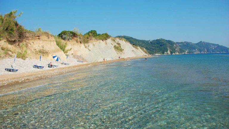Arillas-Strand-Nord-Korfu-Ionisches-Meer-Sonne-Urlaub-Ferien-auf-Korfu-Tourismus-Sommer-Sand