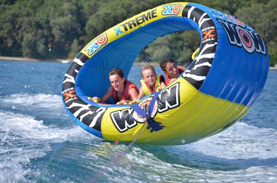 dassia-ski-club-watersports-corfu-inflatables-fun-dassia-sea-summer-beach-coast-adrenaline-yacht-towing-waves-sports-friends-family-summer-in-corfu-holidays-vacation-freetime-funtime-activities-ringos